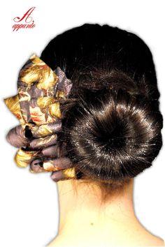 #etsy #haircomb #hair #accessories Pettine per capelli riciclo creativo cravatta di AppuntoArianna, €16.00