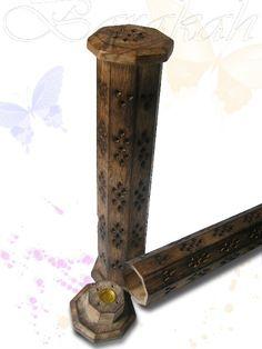 Incenciario torre en madera