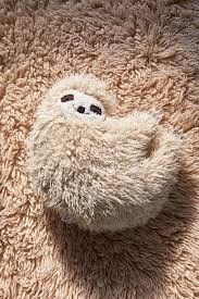 This sloth pillow is so adorable! Would be great for a baby's nursery Urban Outfitters Furry Sloth Pillow affiliate Llama Pillow, Fur Pillow, Bolster Pillow, Pillow Room, Urban Outfitters, Diy Home Decor, Room Decor, Kids Decor, Art Textile