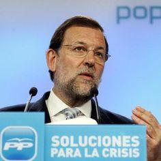 """"""" Los políticos son como los cines de barrio, primero te hacen entrar y después te cambian el programa """"... (Enrique Jardiel Poncela)"""