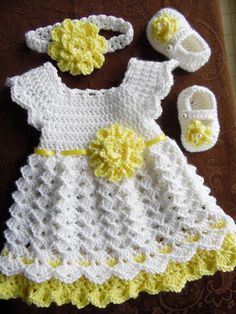 "Crochet bebé conjunto de vestido venda Vestido de blanco y ""Crochet Baby Dress Set, White and Yellow Baby Dress Headband and Shoe Set, Baby Easter Dress, H Baby Girl Crochet Blanket, Crochet Baby Dress Pattern, Baby Dress Patterns, Crochet Girls, Crochet Bebe, Crochet Baby Clothes, Crochet Summer, Flower Crochet, Crochet Baby Dresses"