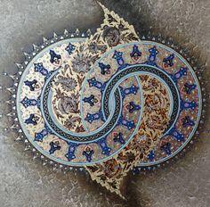 #2017 @eburcinyilmaz ın @istanbul#zeytinburnubelediyesi bugünün ustaları#yarışması#tezhip#katagorisinde 1.lik ödülüne layık bulunan… Islamic Art Pattern, Pattern Art, Islamic Motifs, Mandala Painting, Mandala Art, Motifs Islamiques, Abstract Art Images, Illumination Art, Arabesque Pattern