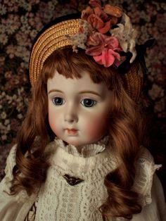 Long face Jumeau    Antique doll reproduction by Hiroko Saito.
