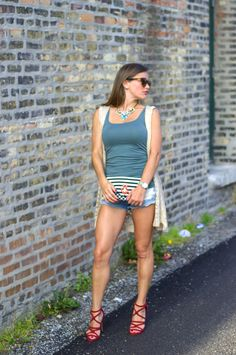 Zara shoes. Shiraleah clutch. Limited necklace. Warby Parker sunnies.