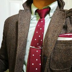 This jacket's farewell for the season. Oxford Shirts, Smart Casual, Burgundy, Dress Up, Menswear, Mens Fashion, Suits, How To Wear, Jackets