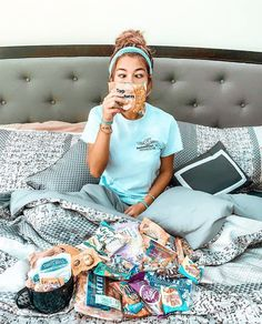 In the wise words of @toriraisin, seriously though why get a meal plan when you can just get an #OCMCollegeCarePackage?! 🍪🍒🍬  Back to school treats for your favorite student available at ocm.com.   #bedroom #designgoals #ocmcollegelife #dormgoals #dormdecor #mattresstoppers #bedding #campusliving #findyourstyle #dorm #dormlife #student #universityapproved #snacks #yum #delicious #ocmsnacks #mealplan #backtoschool