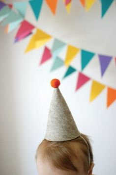 An adorable felt party hat and an adorable 1st birthday party