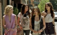 Pretty Little Liars - You Know You Love Fashion
