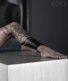 bein tattoos, tattoo motive fuer frauen, schwarz, coole taattoo ideen