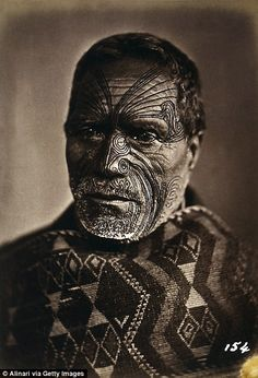 Maori face and body tattoos called Moko describe families and background without words Maori Face Tattoo, Ta Moko Tattoo, Maori Tattoos, Ocean Tattoos, Samoan Tattoo, Facial Tattoos, Body Tattoos, Sleeve Tattoos, Neck Tattoos