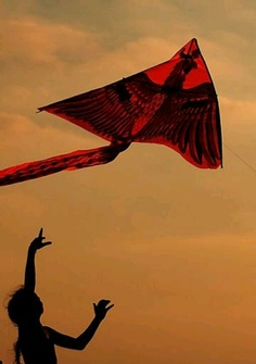 The event would have the attendees playing with #kites to match the theme