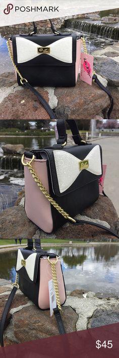 💕make me an offer 💕Betsey Johnson bag Chic Betsey Johnson bag , brand new with tags Betsey Johnson Bags Shoulder Bags