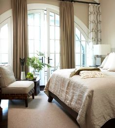 Arched Adornment in the Bedroom