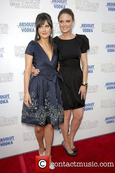 Zooey and Emily Deschanel, Egyptian Theater (500) Days of Summer Premiere