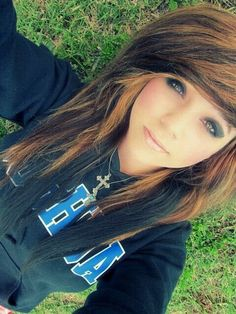 Scene hair. I kind of want to do this to my hair.