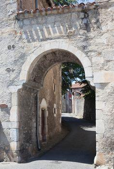 porte Cabirole of Saint-Bertrand-de-Comminges (Les Plus beaux Villages de France), Haute-Garonne, Midi-Pyrenees_ France