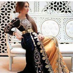 un nouveau style du caftan sari 2015 chargé de broderies et perles avec une pièce en bas  - satin duchesse brodé et perlé d'une façon très soignée - takchita de luxe sari indien haute couture