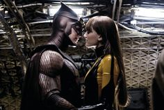 Patrick Wilson and Malin Ackerman kissing in Watchmen