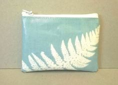 * sold * Coin purse in pale blue with white fern pattern, oilcloth change purse for ladies, zipped pouch, credit card wallet