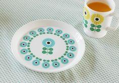 Nest Interiør | Blå retro tallerken fra sunflower-serien til 22 KITCHEN - Nettbutikk