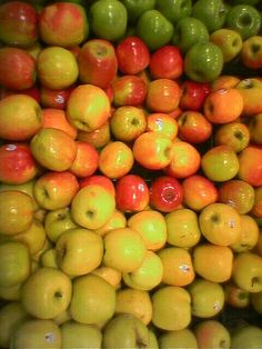 These two recipes are a good way of using up gluts in the garden. They are both tried and tested over many years in my family and still as popular as they have always been. I have shared these recipes with many friends so now I will share them with. Chutney Recipes, Jam Recipes, Canning Recipes, Apple Chutney, Homemade Ketchup, Green Tomatoes, Food Court, Spice Mixes, Fun Cooking