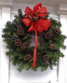 Prírodný vianočný veniec (s mašľou) Christmas Wreaths, Christmas Decorations, Holiday Decor, Advent, Handmade, Home Decor, Hand Made, Decoration Home, Room Decor