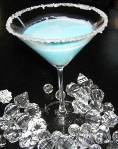 Silent Night Martini | Cocktail Recipes http://drinkedin.net/cocktail-reviews/158856-silent-night-martini.html