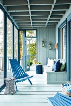 Sarah's rental cottage (via Design Maze)