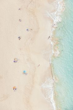 Summer living on the beach Image via Gray Malin Bedroom Wall Collage, Photo Wall Collage, Picture Wall, Beach Aesthetic, Aesthetic Photo, Aesthetic Pictures, Aesthetic Girl, Beach Images, Beach Pictures