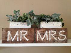 Rustic Distressed Mr & Mrs Sign