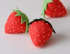 cute tutorial to make little strawberries