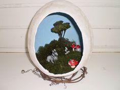 Osterei Diorama, Snow Globes, Home Decor, Christmas Nativity, Decoration Home, Room Decor, Dioramas, Home Interior Design, Home Decoration