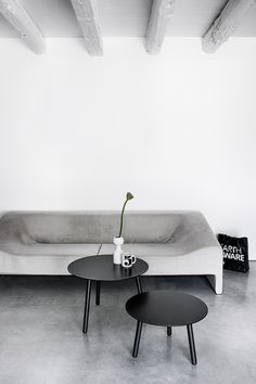 Bcn table designed by Harry Camila for Kristalia #homedecor #homedesign #homedesignideas #furnituredesign #scandinavian #scandinaviandesign #madeinitaly #productdesign #minimalism