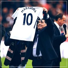Maradona being introduced to the crowd at Wembley while attending as a guest of Mauricio Pochettino. Spurs beat Liverpool 4-1. 22/10/17