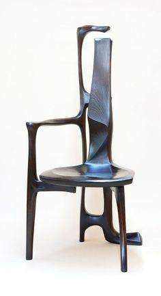 木工作家6名による40脚を展示「私の椅子展Ⅶ」開催中