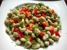 Broad (Fava) Beans Salad in Two Ways; in olive oil and garlic yoghurt Turkish Recipes, Italian Recipes, Turkish Yogurt, Turkish Kitchen, Fava Beans, Fish And Meat, Great Appetizers, Fresh Fruits And Vegetables, Bean Salad