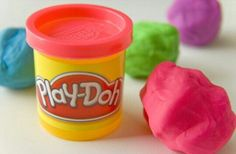 I absolutely loved Play-Doh. It smelled good, too. ♡
