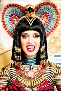 How to Look Like Katy Perry's Psychedelic Cleopatra http://www.elle.com/fashion/trend-reports/egyptian-fashion-like-katy-perry#slide-1