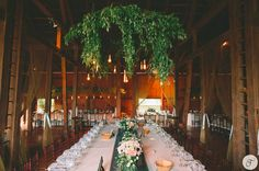 Oleander Florals & Events - Hawaii Florists - Bohemian wedding reception flower arrangements