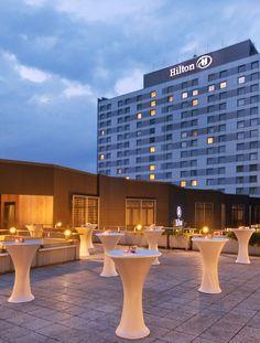 Hilton Düsseldorf at twilight