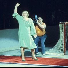"Kate Smith...""God Bless America""... GOD BLESS THE FLYERS! Flyers Hockey, Hockey Mom, Hockey Games, Ice Hockey, Philadelphia Sports, Kate Smith, Nhl, House Dress, Composers"
