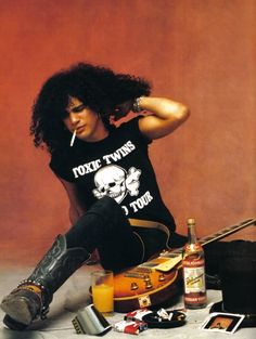 Not a band, i know but Slash was part of one of the best rock and roll bands. Guns N Roses Axl Rose, Guns N Roses, Heavy Metal, Rock And Roll, Jack White, Hard Rock, Gibson Les Paul, Saul Hudson, Rock Y Metal
