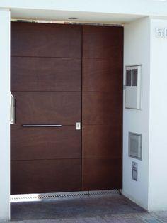 GRUPO INOXMETAL S.L. - Construcciones metálicas Barcelona - Acero Corten Oxidado Modern Entrance Door, Modern Front Door, Entrance Doors, Garage Doors, Wooden Gate Designs, Wooden Gates, Wooden Doors, Main Door Design, House Doors