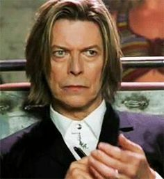 David Bowie - DISqualified!