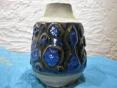 Carstens Vase – Mid Century 1960s Home Décor – Vintage German Pottery WGP – Large – Relief – Fat Lava –Luxus # 174-25 – blue black grey von everglaze auf Etsy