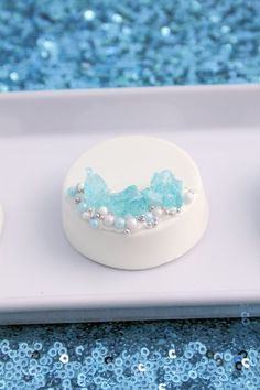 sweetly chic events & design frozen party frozen white chocolate covered oreos