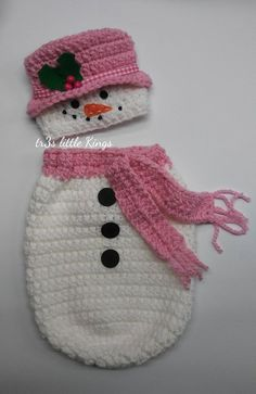 Items similar to Snowman swaddle sack, snowman PINk cocoon NEWBORN, Christmas baby girl, christmas photo prop -Made to Order SHIPS in WEEKS on Etsy Crochet Baby Cocoon Pattern, Knitted Washcloth Patterns, Crochet Leaf Patterns, Baby Blanket Crochet, Baby Patterns, Crochet Baby Costumes, Crochet Baby Clothes, Newborn Crochet, Pikachu Crochet