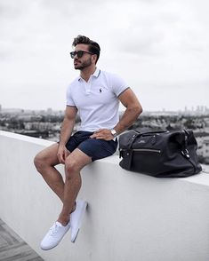 31 Stylish Summer Outfit for Men You Must Have, Source by Outfits oficina Outfits Hipster, Polo Shirt Outfits, White Shirt Outfits, Polo Outfit, Polo Shirts, Mode Polo, Look Fashion, Mens Fashion, Fashion Trends