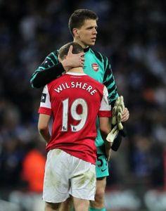 Arsenal's goalkeeper Wojciech Szczesny and Jack Wilshere Soccer - Carling Cup - Final - Arsenal v Birmingham City - Wembley Stadium