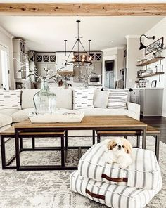 Looking for for pictures for farmhouse living room? Check out the post right here for amazing farmhouse living room inspiration. This particular farmhouse living room ideas seems totally superb. Home Interior, Interior Design Living Room, Living Room Designs, Interior Livingroom, Interior Ideas, My Living Room, Home And Living, Small Living, Cozy Living